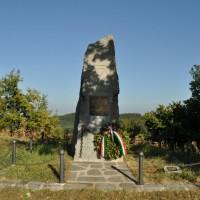 Monumento alla 10^ Divisione, Monte Belvedere