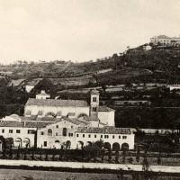 Cesena, panorama del Monte Sterlino con vista della Chiesa e del Convento dei frati dell'Osservanza, 1900-1910 circa (BCM Fondo Dellamore, FDP 614)