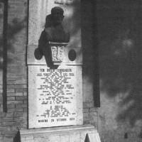 Tomba monumento di Duilio Sinigaglia, fascista ebreo ucciso nel 1921 dalla Guardia regia.