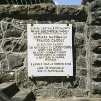 Lapide a ricordo di Enzo Bagnoli.