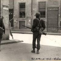 Partigiani e soldati americani in Via Ganaceto.