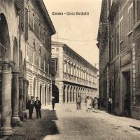 Cesena, Corso Garibaldi, Anni '40 circa (BCM Fondo Bacchi cartoline, FCB 908)