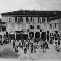Piazza Garibaldi all'inizio del '900.