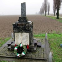 Monumento nel luogo della battaglia lungo la via Emilia all'angolo con la villa La Borghesa nel Comune di Rottofreno.