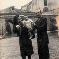 Giovanni, Dorina e la figlia Simona Ganassi