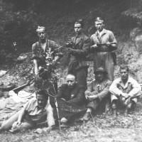 Partigiani russi, americani e santasofiesi dei distaccamenti romagnoli delle brigate Garibaldi ripresi a Biserno di Santa Sofia nel febbraio del 1944.