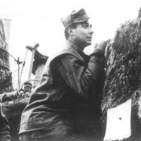 Soldati della North Irish Horse sul fronte dell'VIII Armata nelle trincee sul Reno