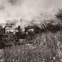 Il paese di Cereseto in fiamme durante il rastrellamento del 7-21 luglio 1944 (Operazione Wallenstein II).