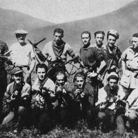 Gruppo di partigiani reggiani nel luglio 1944.