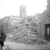 L'Ospedale San Paolo di Via Selmi gravemente danneggiato.