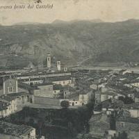 Un bella veduta della città di Bobbio in una cartolina d'epoca.