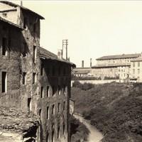 Il canale del Cavaticcio (oggi coperto), nei pressi di Porta Lame