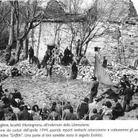 """Aprile 1946: Manifestazione per ricordare il secondo anniversario della cattura dei partigiani del distaccamento """"Griffith"""""""