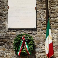 Targa sulla facciata della Rocca