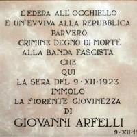 La lapide dedicata a Giovanni Arfelli