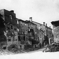 Centro di Montefiorino dopo l'incendio tedesco del 6 agosto 1944