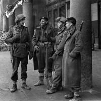 Gli alleati in Piazza del Popolo. Dicembre 1944
