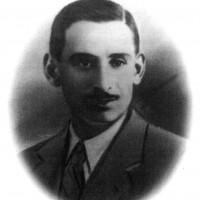 """Giovanni Farinelli (28/4/1915 – 29/1/1945). Propagandista antifascista partecipo al salvataggio di piloti alleati. Arrestato dai nazifascisti il 1771/194, dopo essere stato torturato fu condannato a morte per """"partigianismo"""" e fucilato il 29/1/1945"""