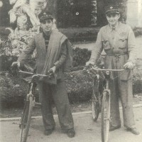 Luigi Longhi e Franco Bolsi, antifascisti, con la divisa della TIMO, Parma 1940