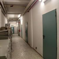 Piano interrato dell'Ex Brefotrofio, interno, il corridoio su cui si affacciavano le celle