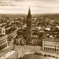 Panorama di Piazza Saffi