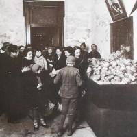 L'ingresso di una mensa popolare a prezzi calmierati