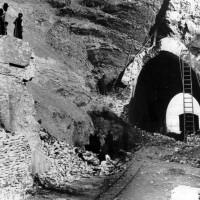 Foro della Diavolessa dopo i bombardamenti, primavera 1945 (BCM Fondo Bacchi, FBP 556)