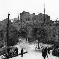 Il paese di Monchio distrutto a seguito della strage del 18 marzo 1944.