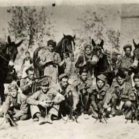 Una formazione partigiana agli inizi del 1944.