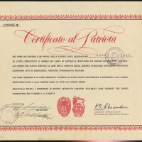 """Un attestato di """"Patriota"""" conferito a un partigiano firmato dal Generale Alexander"""