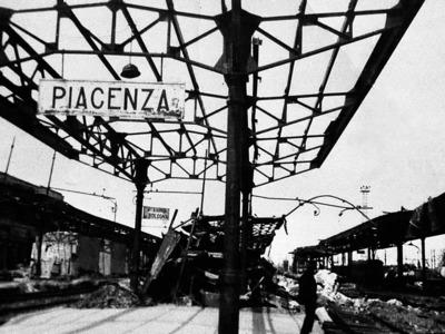 Piazzale Marconi 7 – Le infrastrutture sotto il controllo tedesco: la Stazione ferroviaria