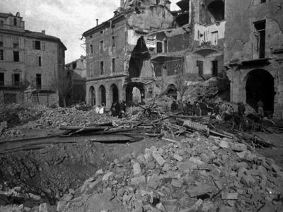 Piazzetta Tempio 52 – La città sotto i bombardamenti: sede dell'UNPA