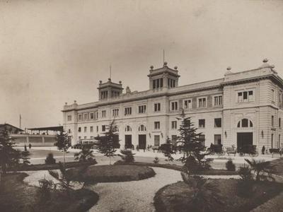 La Stazione ferroviaria - Piazza Martiri d'Ungheria 14