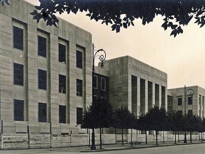 Ex Istituto tecnico industriale A. Mussolini - Viale della Libertà 14