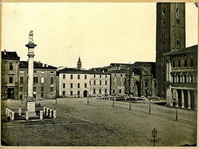 Colonna Madonna del Fuoco - Piazza del Duomo