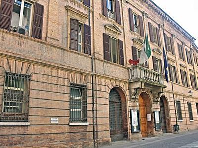 Ex Provincia e il glicine - Via delle Torri 13