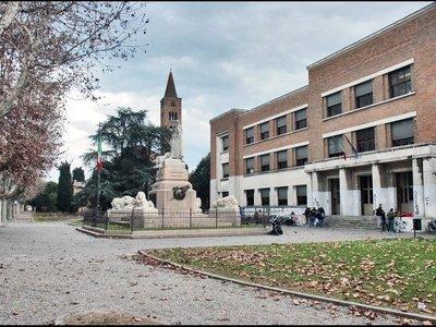 Liceo classico Dante Alighieri – Viale Farini