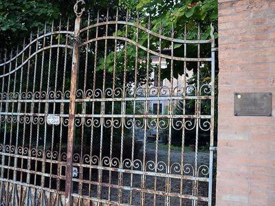 Villa Callegari-Ghigi, sede dei comandi militari alleati e del ricostituito Esercito Italiano. Via Faentina, 9