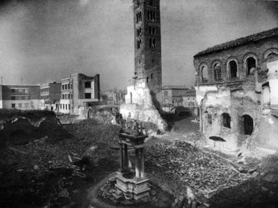 Bombardamento della Chiesa di S. Giovanni Evangelista. Viale Farini
