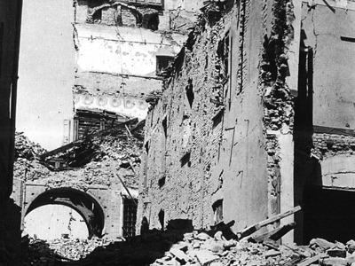 Bombardamenti sul Complesso della Pilotta, Piazzale della Pace