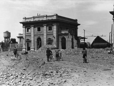 Stazione ferroviaria – Piazzale C. Battisti