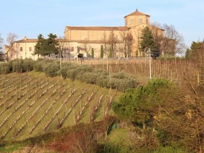 L'Istituto Sacra Famiglia e l'abbazia del Monte