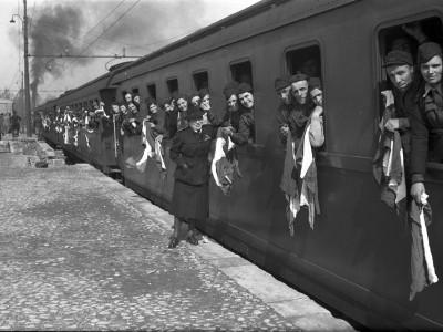 Stazione ferroviaria - Piazza Dante Alighieri