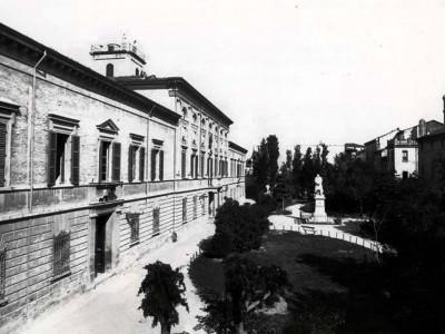 "Ex Liceo Ginnasio ""Vincenzo Monti"" (oggi Biblioteca Malatestiana)"