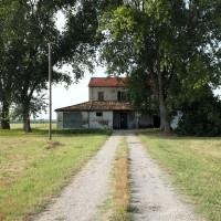 Casa colonica in via Rovescio, riedificata nelle immediate vicinanze dell'abitazione di Aldo Zamagna