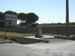 """Cippo a """"TORELLO LATINI e PIETRO MAGANZA"""" a Bagnile di Cesena, Via Rovescio angolo Via Masiera (veduta generale)."""