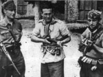 """Partigiani della 12a Brigata Garibaldi, distaccamento """"Copelli"""", Manfredo Iezzi (caduto 10.7.1944), Francesco Pasini (Cecco), Celso Lugli (Sergente)."""