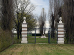 Cancello d'ingresso del Cimitero Militare