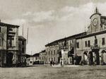 Piazza municipale (1937).