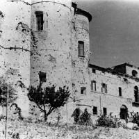 Cesena, l'Abbazia del Monte dopo i bombardamenti dell'ottobre del 1944 (BCM Fondo Bacchi, FBP 531)